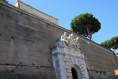 Vatican City wall 梵蒂岡城城牆 (W. Wilson Chen) Tags: vatican city wall 梵蒂岡 城牆 牆 rome italy 意大利 羅馬