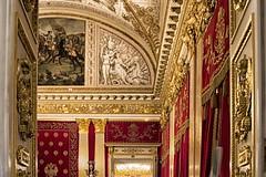 Sontuoso Hermitage... (Renato Pizzutti) Tags: russia sanpietroburgo saintpetersburg hermitage decori oro stucchi dipinti museo stanza rosso giallo nikond750 renatopizzutti
