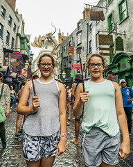 _DSC5003 (Shane Woodall) Tags: 2019 24mm ella florida harrypotter ilce9 lily orlando shanewoodallphotography sonya9 twins universalstudios vacation