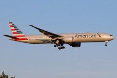 N732AN | Boeing 777-323ER | American Airlines (cv880m) Tags: newyork jfk kjfk kennedy johnfkennedy aviation airliner airline aircraft airplane jetliner airport spotting planespotting n732an boeing 777 773 777300 777323 aal american americanairlines triple7 tripleseven