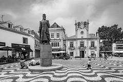 Cascais III (Portugal) (vicente1962) Tags: cascais plaza blancoynegro blackandwithe monocolor monocromo