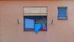 DETALL D'UNA FAÇANA (Joan Biarnés) Tags: maiàdemontcal garrotxa girona porta puerta finestra ventana 330 panasonicfz1000
