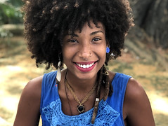 Brazilian smile (saudades1000) Tags: artisan morena bonita linda beautiful blackbeauty black brazilian braziliansmile baiana smile woman sorriso beleza naturalbeauty happy