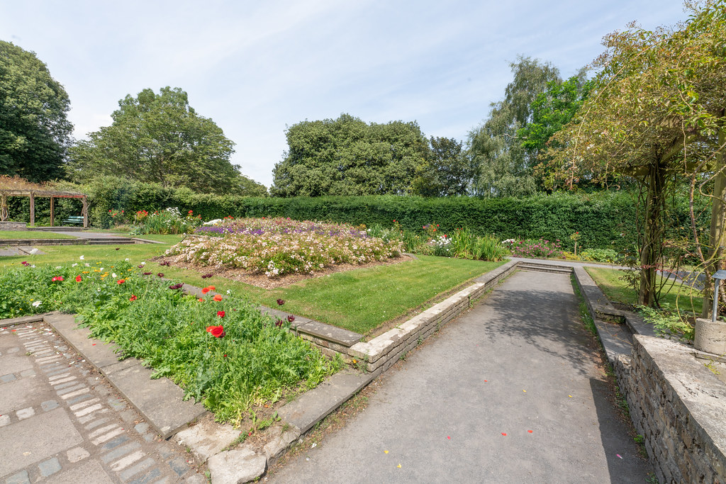 THE CLOCKTOWER GARDENS [ST. ANNE'S PARK IN RAHENY]-154834