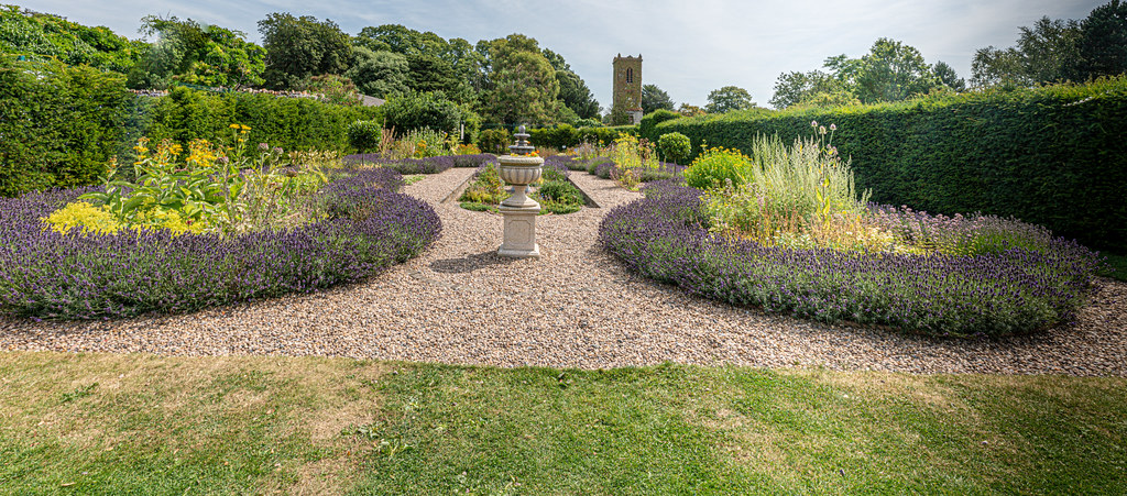 THE CLOCKTOWER GARDENS [ST. ANNE'S PARK IN RAHENY]-154809