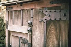 Ni No Gate, Himeji Castle - Himeji, Japan (nivagyag73) Tags: 2019 asia canon ef2470f28lusm eos5dmarkiii himeji himejicastle honshu hyōgoprefecture japan kansairegion ninogate aged castle door hinge historic old steel timber wood woodgrain