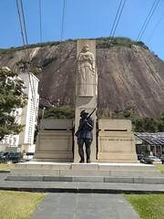 Monumento (Bellis Perenis) Tags: estátua urca rio de janeiro soldado intentona comunista exército brasileiro