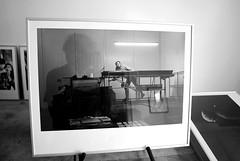 Fejø | Packing (tiltdesign2016) Tags: analogphotography bildvombild ausstellungsvorbereitung bw kodaktrix400 plustekopticfilm7600ise packerei packing leicam2 elmar50mmf28 400800 push kodakd7611 fejø fejo dänemark denmark ilfordmultigradeiv44m 40x50 kodakdektol12 darkroom positiventwicklung