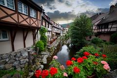 Kaysersberg (Haut-Rhin, F) (pietro68bleu) Tags: alsace architecture maisonsàcolombages pont rivière fleurs hautrhin europe france ciel nouage sky cloud cloudy summer flowers