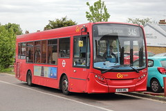 SE233 YX15 XML (ANDY'S UK TRANSPORT PAGE) Tags: buses upminster london goaheadlondon bluetriangle