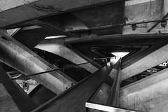 dans la structure de l'Oriente (Rudy Pilarski) Tags: structure structural structura monochrome nikon nb noiretblanc blackandwhite bw bâtiment building geometry géométrie géométria géométrique graphique graphic d750 oriente gare travel trainstation voyage urbain urban urbano perspective line ligne lisbonne lisbao lisboa europe europa abstract abstrait 1628 tokina