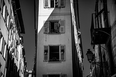 Been thinking about you, your records are here (.KiLTRo.) Tags: kiltro fr france nice niza city building architecture window perspective street urban shadow