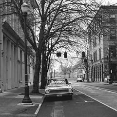 (el zopilote) Tags: portland oregon cityscape street architecture wheels cars ford falcon signs hasselblad 500cm 120 carlzeiss planarcf80mmf28t zv 6x6 film ilford xp2 mediumformat bw bn nb blancoynegro blackandwhite noiretblanc monochrome