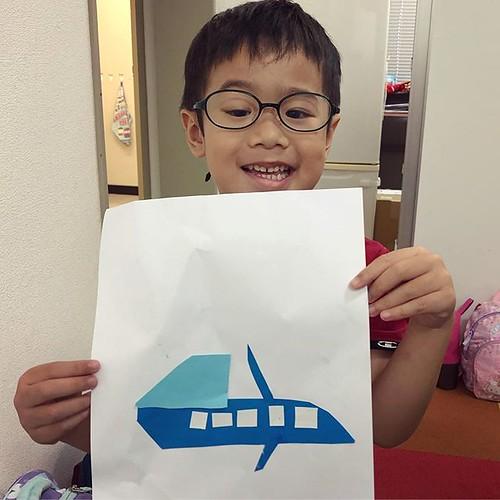 Freestyle cutting and pasting. Well done! 上手にできました!好きなものを考えて作りました。#tokyo #shibakoen #preschool #daycare #summerschool #airplane #proud #飛行機 #東京 #港区 #子ども #上手 #幼稚園 #保育園