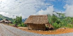 _J5K8038-41.0513.Pa Vệ Sủ.Mường Tè.Lai Châu (hoanglongphoto) Tags: asia asian vietnam northvietnam northernvietnam landscape scenery vietnamlandscape vietnamscenery sky bluessky clouds house road 1x2 imagesize1x2 hill hillside morning sunny sunlight canoneos1dsmarkiii zeissdistagont3518ze tâybắc laichâu mườngtè pavệsủ phongcảnh buổisáng nắng nắngsớm bầutrời bầutrờixanh mây dãyđồi ngôinhà conđường