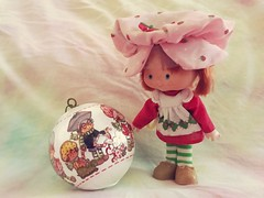 224/365/8 (f l a m i n g o) Tags: toy doll christmas ornament strawberryshortcake vintage memory august 5th 2019 monday project365 365days favorite