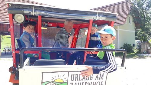 Steyr 188 Ausfahrt... Opa mit den Jungs