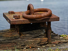 2019 08 03 - rusty post 2 (LesHutchinson) Tags: decay harbour rust irvine brown flickrfriday