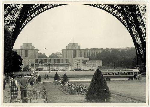 AlbumG115 Palais de Chaillot und davor