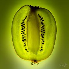green's anatomy.. (Antonio Iacobelli (Jacobson-2012)) Tags: kiwi anatomy slice green seeds bari nikon d850 nikkor 2470