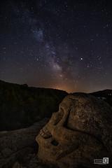 La calavera y la via (JoseQ.) Tags: caras buendia noche luces vialactea estrellas milkway star muerte nocturnas calavera iluminacion cielo sky