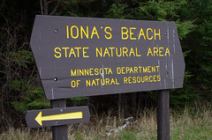 Iona's Beach: A North Shore GEM! (WOODSHED Revisited) Tags: ionasbeach scientific natural area sna minnesota minn mn two harbors lake superior coast shore twin points resort lakeshore waves rhyolite felsite singing hotel cabin rocks boulders ancient lava flow precambrian historic iona lind john donate donation pink peach pentax k30 justpentax