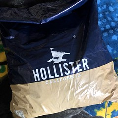 Late Post: MY package from Hollister arrived. 📦🙏😍😁😇 (07/19/19) Posted: 08/05/19 #abercrombie #hollisterco #california #package #arrived #twentysomething #hollisterboy (iTeodoro1991) Tags: abercrombie hollisterco california package arrived twentysomething hollisterboy