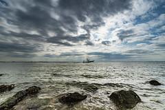 Westerschelde (Omroep Zeeland) Tags: westerschelde kruiningen de punt wolken wolkenlucht scheepvaart zon