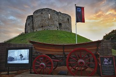 Clifford's Tower and Shakespeare. (Darren Speak) Tags: theatre sky history evening clifford'stower waggon shakespeare york