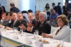 encontro-de-prefeitos-e-autoridades-do-poder-legislativo_18870240156_o