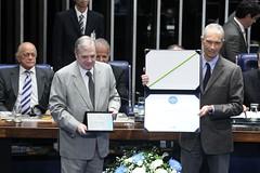carlos-alberto-sicupira-recebe-o-diploma-jos-ermrio-de-moraes_18132162311_o