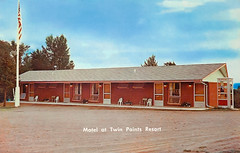 Twin Points Resort Motel Postcard (WOODSHED Revisited) Tags: ionasbeach scientific natural area sna minnesota minn mn two harbors lake superior coast shore twin points resort lakeshore waves rhyolite felsite singing hotel cabin rocks boulders ancient lava flow precambrian historic iona lind john donate donation pink peach vintage postcard post card