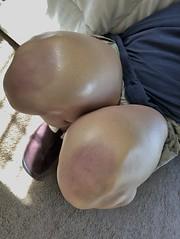 IMG_1392 (guythigh) Tags: legs leg leggy thighs thigh knees knee