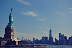 Give me your masses... (E.GUSMAO) Tags: history america travelexperience libertyisland newyork ladyliberty statueofliberty iconic symbol urban
