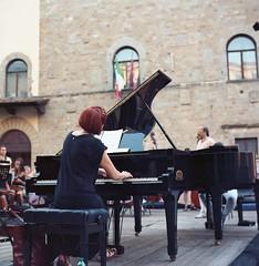 Prove (michele.palombi) Tags: rolleicord tuscany arezzo negativocolore c41 tetenal colortec analogic 6x6 film120mm prove pianoforte
