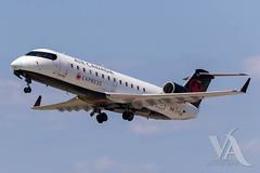 Air Canada Express CRJ-200 (C-FIJA).jpg (Vince Amato Photography) Tags: crj200 bombardier trudeauinternationalairport aircanadaexpress commercialairliner cfija acax cr2 crj2 cyul canada montreal quebec yul
