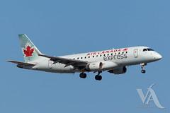Air Canada Express EMB-175 (C-FUJA).jpg (Vince Amato Photography) Tags: canada quebec montreal yul embraer e75 commercialairliner cyul emb175 e175 trudeauinternationalairport acax aircanadaexpress e75l cfuja e75s