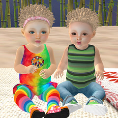 Hippy Kids 8.4.19 (lukeidlemind) Tags: zooby kids hippy peace blondeshavemorefun son daughter family love cute adorable baby lola avery