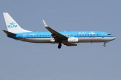 "KLM / Boeing   B 737-800 WL   PH-BXK   ""100 ième Anniversaire"" / LFBO - TLS / août 2019 (gimbellet) Tags: canon nikon spotting spotter boeing blagnac lfbo planes transport transportation toulouse tls toulouseblagnac a330 a380 a320 airplanes a340 aviation aircraft avions airbus aeroport atr airport a350 aeronautique airplane aeroplane b737 b737800wl"
