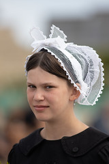 Le petite Bretonne (oras_et_marie) Tags: coiffebretonne bigouden penmarch défilé