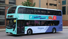 First Glasgow 34378 SO68HFY passing Buchanan on diversion. (Gobbiner) Tags: adl 34378 firstglasgow e400mmc enviro so68hfy firstgroup