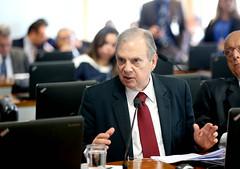 26-03-19 Senador Tasso Jereissati lê relatório na CAE- Foto Gerdan Wesley   (10)