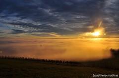 Mer de nuage (mathouspad) Tags: couchédesoleil soleil ciel nuages merdenuages ain isère bugey montagnes vignes mountains vercors automne canon