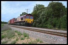 No 66144 6th Aug 2019 Gun Lane Trimley (Ian Sharman 1963) Tags: no 66144 6th aug 2019 gun lane trimley class 66 diesel engine railway rail railways railfreight train trains loco locomotive felixstowe port of container branch line suffolk 4l45 freightliner ews db cargo schenker intermodal