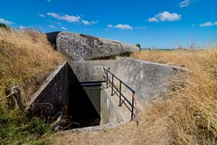 _DSC5823 (durr-architect) Tags: fort edam stelling amsterdam defence military strategy dutch waterline waterlinie fortification gun armoured dome cannon ball shooting