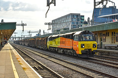 70810 - Cardiff Central - 25/07/19. (TRphotography04) Tags: colas rail frreight 70810 passes through cardiff central with 6m51 1720 baglan bay chirk kronospan log train
