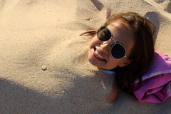 OUR SWEET LITTLE DEVIL (André Pipa) Tags: clara filha daughter sand areia beach algarve summer summervacations family joke familyvacations photobyandrépipa humour humor