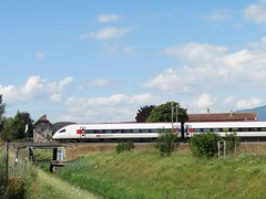 Le Bey Montagny-près-Yverdon (portemolitor) Tags: cantondevaud montagnyprèsyverdon lebey cff sbb ffs train