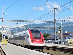 Gare d'Yverdon-les-Bains (portemolitor) Tags: cantondevaud yverdonlesbains gare de cff sbb ffs train