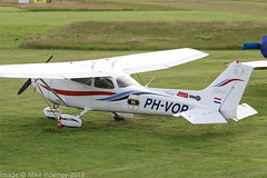 PH-VOP - 1999 build Cessna 172R Skyhawk, visiting Barton (egcc) Tags: 17280808 172r 3amrc barton ce172 cessna cessna172 cityairport egcb lightroom manchester n72656 phvop skyhawk prepare2go